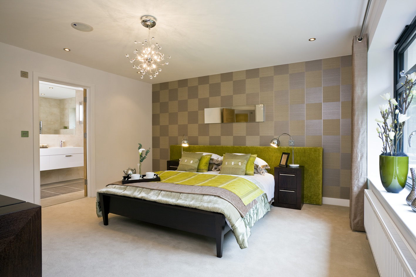 Bedroom Set of Furniture in Black